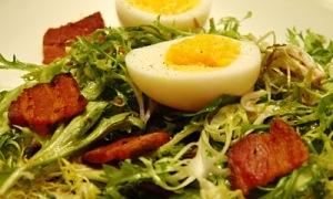 salad with lardons and soft eggs