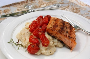 grilled salmon with roasted cherry tomatoes and parmesan grits