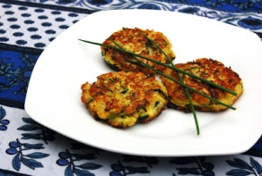 zucchini sqaush fritters 1